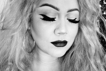 Winged-eyeliner.jpg