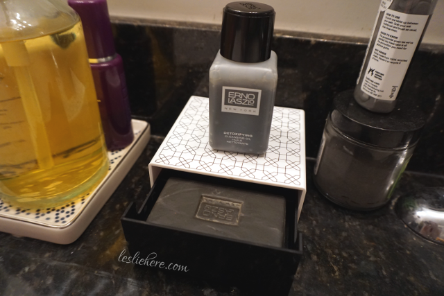 erno-laszlo-detoxifying-double-cleanse-travel-set-counter