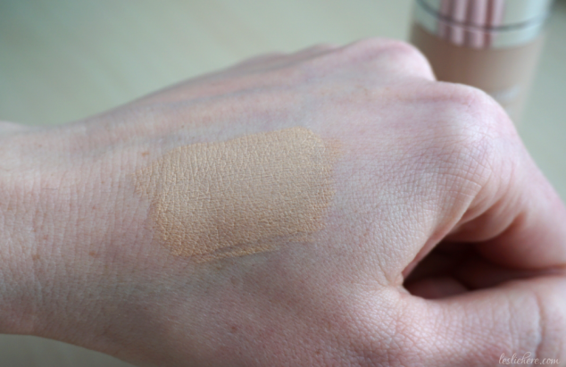 neutrogena-hydro-boost-hydrating-tint-nude-swatch