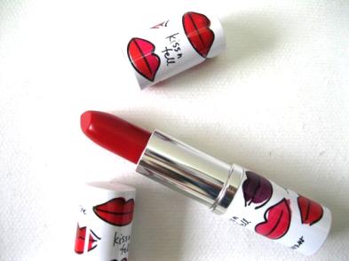 Clinique-Matte-Crimson-Long-Last-Soft-Matte-Lipstick-5