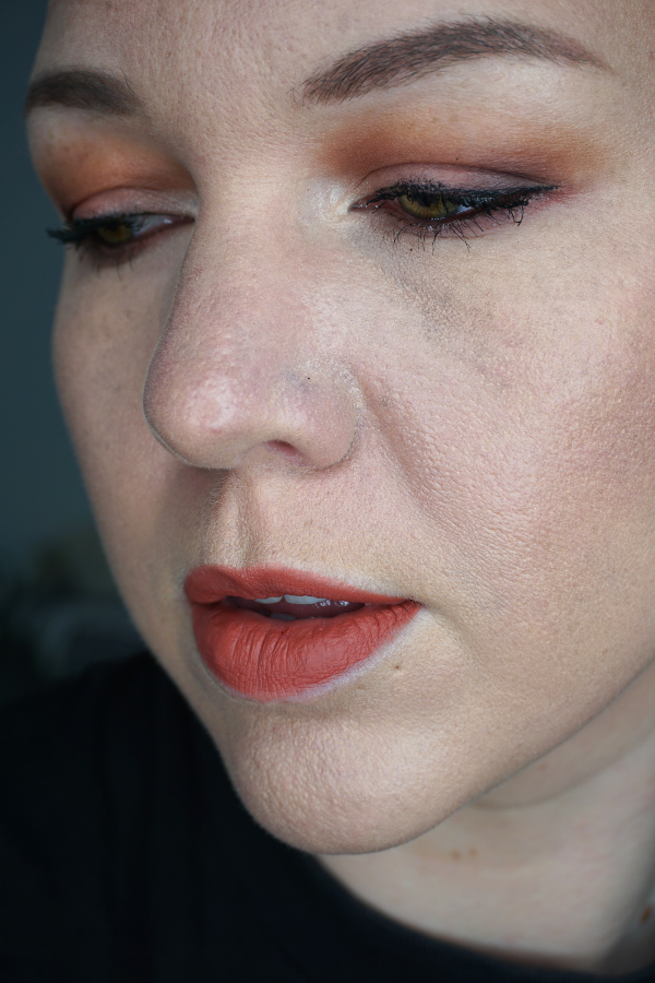 Laura-Mercier-Flawless-Fusion-Ultra-Longwear-Foundation-2N1-cashew-wear-test-3
